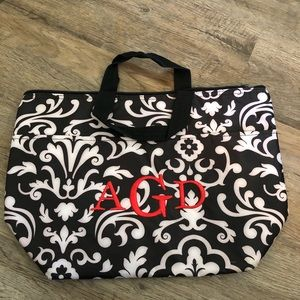 Thirty one monogrammed AGD lunch tote